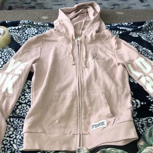 Women's vs zip up